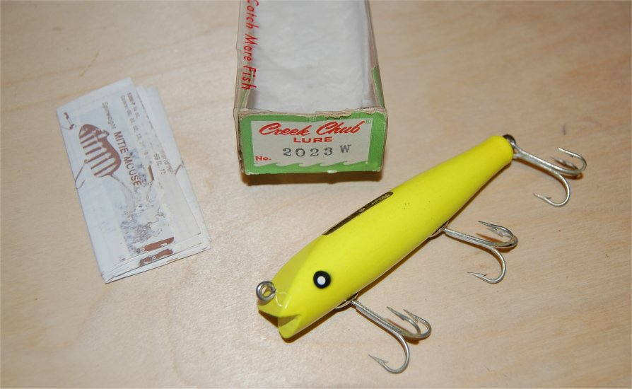 Creek Chub Darter 2023W Fluorescent Yellow - Click Image to Close